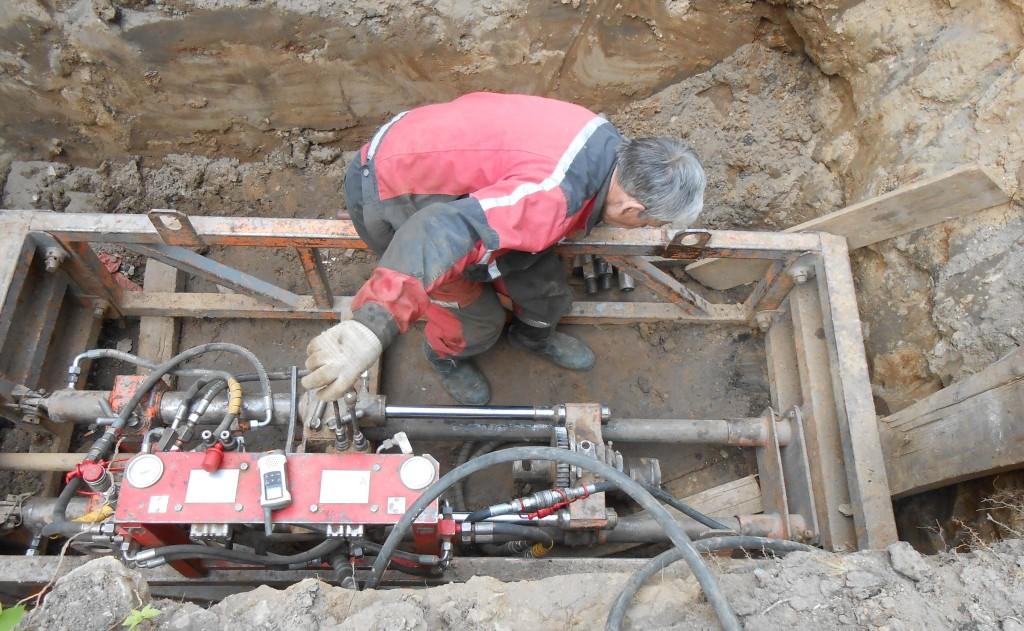 Прочистка канализации и ливневки методом ГНБ